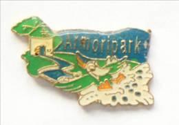 Pin's BEGARD (22) - ARMORIPARK - Parc De Loisir - Oiseau En Vol - Paysage - H Paturel - I347 - Cities