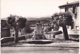 LES PUJOLS  LA MAIRIE ET LE MONUMENT - Autres Communes