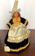 Poupée Folklorique Ancienne Bigouden De Marque Poupées Jordane - Dolls