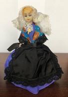 Poupée Folklorique Ancienne Région à Déterminer - Dolls