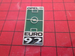 2117 Pin's Pins / Rare Et Belle Qualité / THEME AUTOMOBILES : OPEL EURO FOOTBALL 92 - Opel