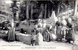 BELLE CPA DOUARNENEZ - FEMMES AU LAVOIR BRETON AUX PLOMARCHS - ETAT EXC - - Douarnenez