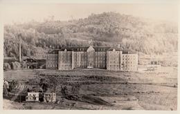 B&W - RPPC - Real Photo Véritable - Sherbrooke - Couvent Mont Saint-Famille Vers 1935  - 2 Scans - Sherbrooke