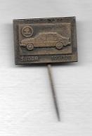 Pin's  Épinglette  Automobile  SKODA  105 / 120 - Pin's