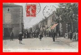 CPA (32) VIC-FEZENSAC.  Rue D'Armagnac, Animé, Magasin Au Bon Marché Léon Berges...D218 - Vic-Fezensac
