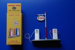 3/ Dinky Toys Poste De Ravitaillement Esso Essence Carburant Voiture Auto Novev Editions Atlas 2008 - Antikspielzeug