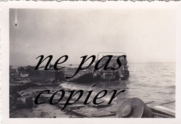 Photo Dunkerque 8.8 X 6.1 Photographie Ancienne 1940 épaves De Véhicules  Dunkirk Dünkirchen WWII - Dunkerque