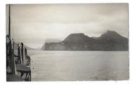CPA... CARTE PHOTO... LA SORTIE DES ILES FEROE....  1931....TBE ..SCAN...PAS COURANTE.... - Färöer
