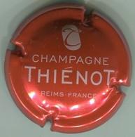 CAPSULE-CHAMPAGNE THIENOT Alain N°26c Rouge Brique & Créme - Autres