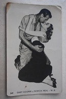 1950's Vintage Real Photo Postcard Cinema Film Actress: PATRICIA NEAL Y GARY COOPER - Attori