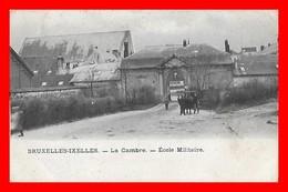 CPA BRUXELLES-IXELLES (Belgique)  La Cambre. Ecole Militaire, Animé, Attelage...D499 - Belgio