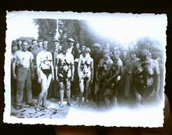 CHARLEVILLE OU RETHEL LIBERATION 1945 FEMMES TONDUES TRISTE EPOQUE J AI FOULTE LES VISAGES - Charleville