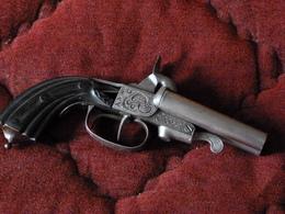 Très Beau Pistolet A Broche,2 Canons,calibre 10 MM - Armes Neutralisées