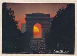 9AL1162 PARIS LES CHAMPS ELYSEES ET L'ARC DE TRIOMPHE Photo MONIER   2 SCANS - Monier