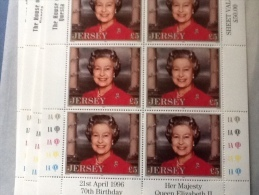 Jersey 1996 70th Birthday Of Queen Elizabeth Full Sheet As Pictured House Of Questra - 1952-.... (Elizabeth II)