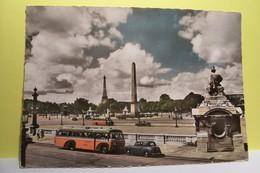 PARIS  -- La Place De La Concorde  , Son Obélisque  -  ( BUS )  - ( Pas De Reflet Sur L'original ) - Paris (01)