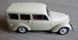 Renault Juvaquatre- Norev - 1/43ème - Norev