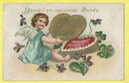 * Fantaisie - Fantasy - Fantasie * (serie 2100) Bonne Et Heureuse Année, New Year, Angelot, Ange, Angel, Carte Gaufrée - Anges
