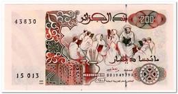 ALGERIA,200 DINARS,1992,P.138,UNC - Algerije