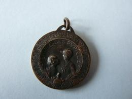 Rare  Médaille Commandant Guesnet - Fédération Nationale Sapeurs-Pompiers Français - Oeuvre Des Pupilles - - Pompiers