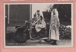 OLD PHOTO POSTCARD - MOTOR - MOTO  - DUTCH GIRLS IN COSTUME - WALCHEREN - Moto