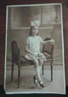 PHOTO Originale D'une Fillette Mignonne, Peut-être Demoiselle D'honneur. L. Régis, Paris. - Identified Persons