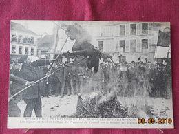 CPA - Les Champenois De L'Aube Contre Les Champenois De La Marne - Les Vignerons Brûlent L'effigie Du Prés Du Conseil - Bar-sur-Aube