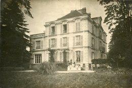 Carte PHoto D'une Grande Maison Bourgeoise Avec Terrasse à Identifier - To Identify