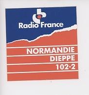 Radio France Normandie; Dieppe 102,2  (autocollant 9X9) - Radio