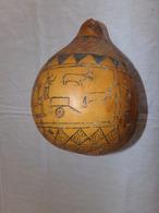 Instrument De Musique Afrique Du Sud à Décor Scènes De Vie - Musical Instruments