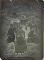 Plaque De Verre Négative - Probablement Herry Dans Le Cher - Un Groupe De Femmes - Glass Slides