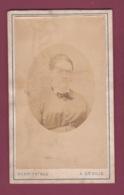 090519 - PHOTO CDV ANCIENNE -  AFRIQUE ILE MAURICE HENRI FATRAS Photographe à DEVILLE Et PORT LOUIS Femme En Médaillon - Maurice
