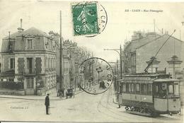 CAEN - Rue Pémagnie  -- Un Tramway - Caen