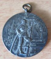 Belle Et Peu Commune Médaille Pompiers Alsace / Elsass  - Lothringischer Feuerwehrverbandstag Metz 1909 - TBE - Allemagne