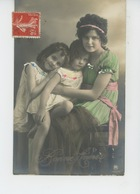 ENFANTS - LITTLE GIRL - MAEDCHEN - Jolie Carte Fantaisie Portrait Fillettes Et Jeune Fille De Bonne Année - Portraits