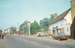 HOCKLEY - THE BULL AND MAIN ROAD - England