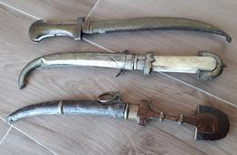 LOT De 3 Poignards Africain Oriental - Armes Blanches