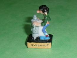 Fèves / BD / Dessins Animés / Film : Gaston Lagaffe , 2007 , Le Casse Noix , Les Inventions De Gaston  T74 - BD