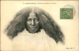 MADAGASCAR - Carte Postale - Femme En Coiffure De Deuil - L 29195 - Madagaskar
