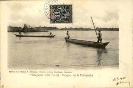 MADAGASCAR - Carte Postale - Pirogues Sur Le Mahajamba - L 29208 - Madagascar