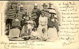 MADAGASCAR - Carte Postale - Famille Hova - L 29219 - Madagascar