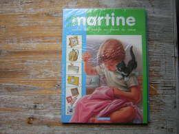 CREE AVEC MARTINE  REALISE DES MOTIFS AU POINT DE CROIX  CASTERMAN 2001 - Martine