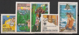 Centrafricaine - 1979 - N°Yv. 395 à 399 - Année De L'enfant / Contes - Neuf Luxe ** / MNH / Postfrisch - Centraal-Afrikaanse Republiek