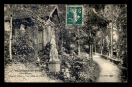 52 - BOURBONNE-LES-BAINS - STATUE DE JEANNE D'ARC DANS LE PARC - Bourbonne Les Bains