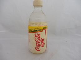 COCA COLA® LIGHT BOUTEILLE VERRE VIDE 1988 SUISSE 0.33L - Flessen