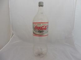 COCA COLA® LIGHT BOUTEILLE PLASTIQUE VIDE ISLANDE 2007 2L - Flessen