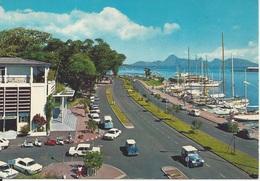 CPM   Polynésie Française  Port De Papeete Vu De La Poste    Bateaux, Voitures - French Polynesia