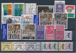 VATICAAN - Selectie Nr 110 - MNH** (3 Zegels Met Plakker MH*) - Collections
