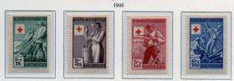 PIA - FINLANDIA  - 1946 : Pro Croce Rossa - Attività Lavorative   - (Yv 305-08) - Primo Soccorso