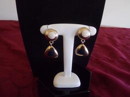 Paire De Boucles D'oreilles Clips En Forme De Triangle Métal Doré Intérieur Bleu - Earrings